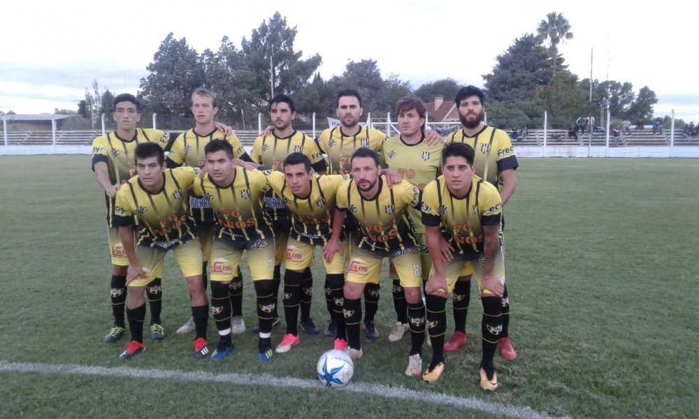 FUTBOL LOCAL: Choque de punteros en barrio Belgrano
